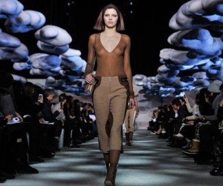 Kendall-Jenner-Marc-Jacobs-Fall-2014-Runway-Show